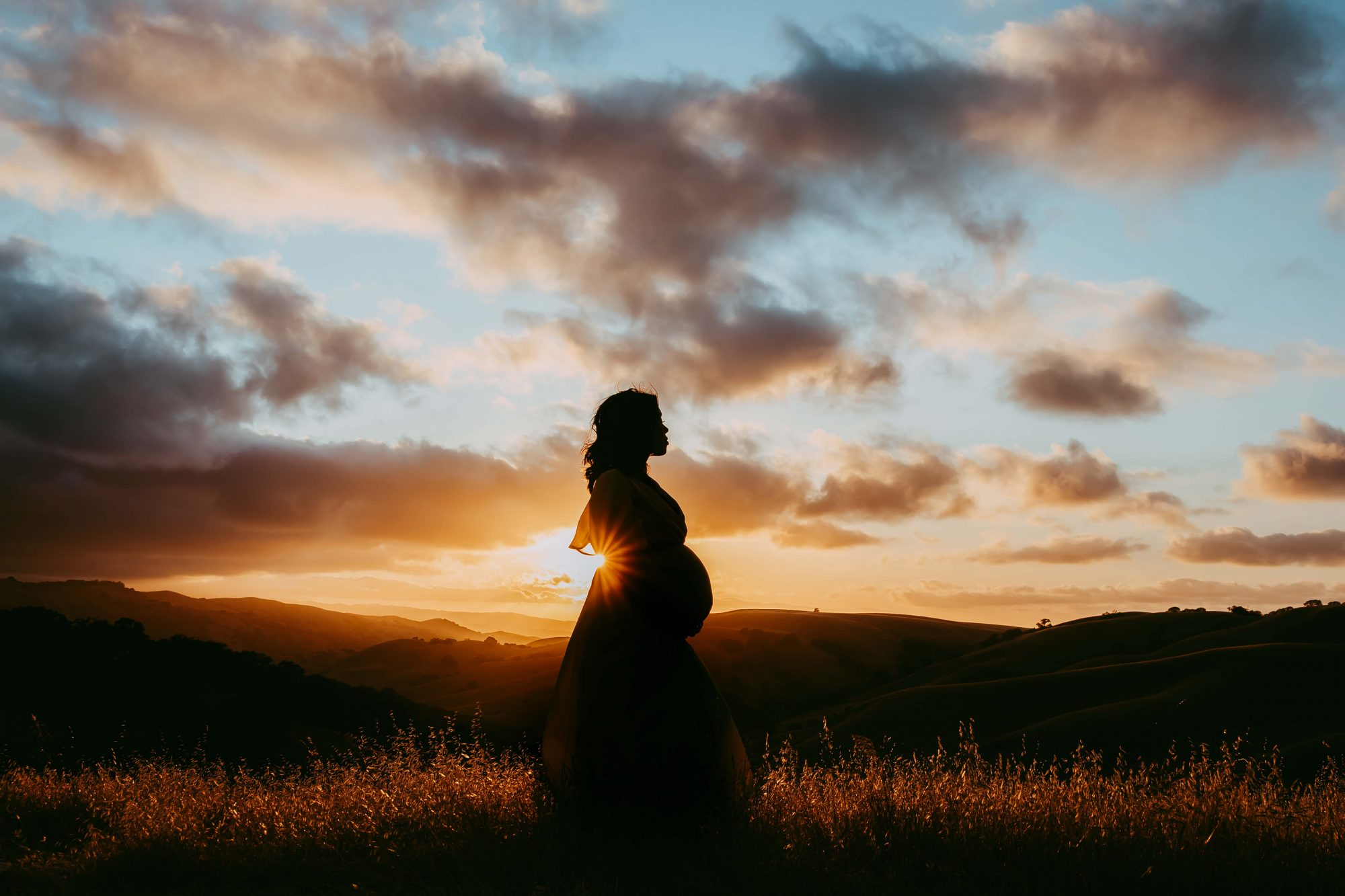sunset-maternity-photos